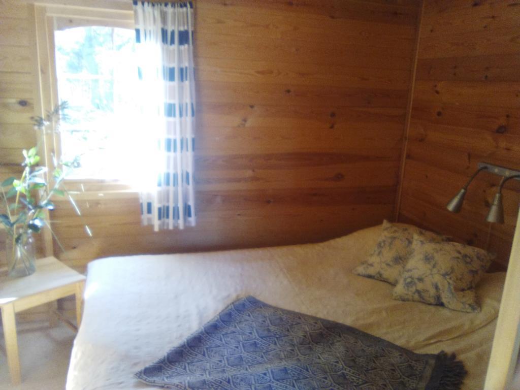 Stugor, camping och gästbrygga på vita grindarna, djurö, värmdö.